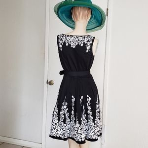 White House black market embroidered cocktail dres